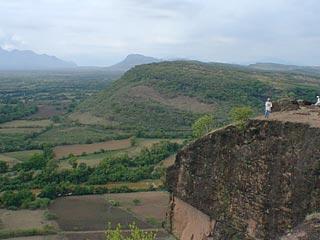 Una vista del Sitio 125 en el borde del imperio tarasco.